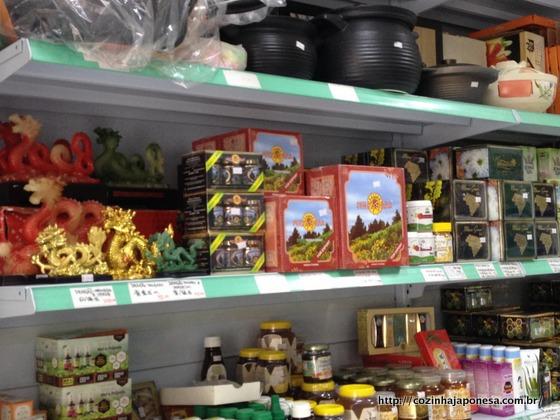 Chás, utensílios e objetos de decoração