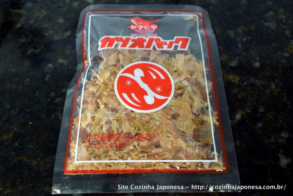 Flocos de peixe bonito seco (katsuobushi)