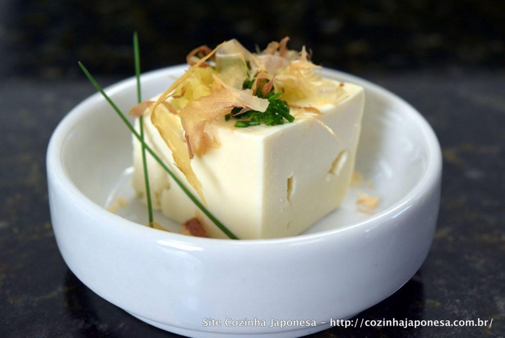 Tofu (queijo de soja) gelado - Hiyayakko