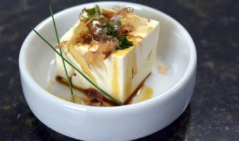 Receita leve de 15 minutos: Tofu Gelado (Hiyayakko)
